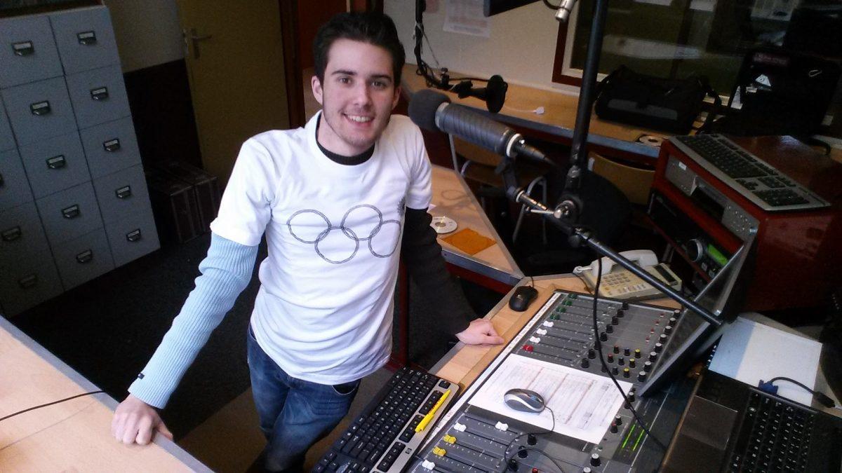 Daan Berg in de studio van Radio Vrolek (2014)